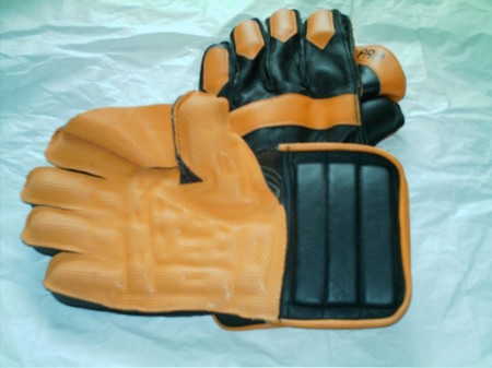 12.99 WICKET KEEPER GLOVES